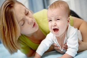 Детские кишечные колики и как с ними бороться