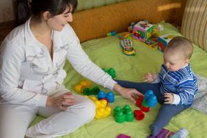 Роль и обязанности матери в воспитании и развитии ребенка