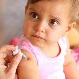 Где сделать ребенку прививки