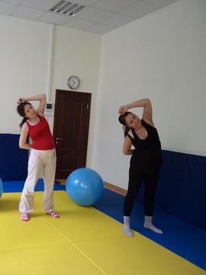 Упражнение для беременных 3 триместр в домашних условиях в картинках 1