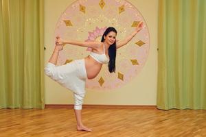 Йога для беременных: комплекс упражнений