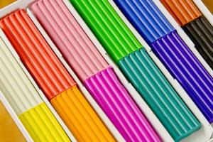 Пластилин для малышей: простые поделки и аппликации