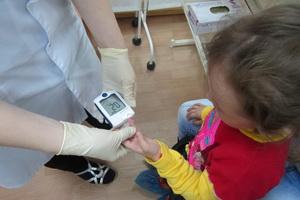 Сахарный диабет у детей: причины, признаки и уход за ребенком