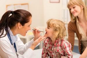 Дифтерия у детей: симптомы, лечение и последствия