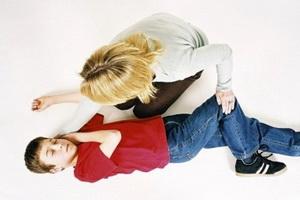 Обморок у детей: причины и неотложная помощь