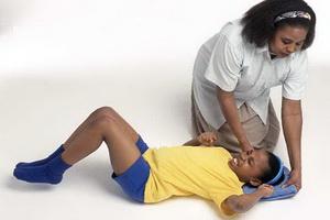 Судороги  у ребенка: причины, симптомы и первая помощь