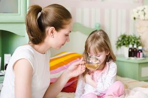 Острые кишечные инфекции у детей: признаки и первая помощь