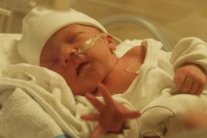 Пневмония у новорожденных детей: причины, симптомы и лечение