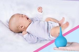 Как правильно делать клизму новорожденному ребенку
