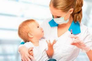 Как правильно подготовить ребенка к прививке: советы врачей