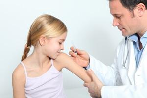 Календарь прививок: таблица и медотводы