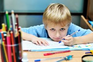 Ребенок-левша: особенности воспитания и обучения