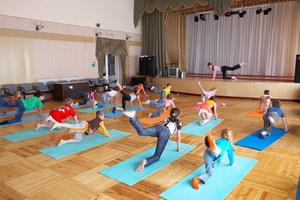 Занятия ЛФК (лечебной физкультурой) для детей
