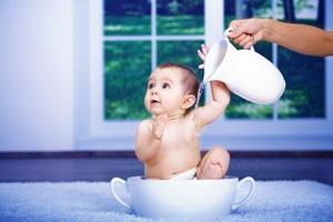 Закаливание новорожденных детей: правила и особенности