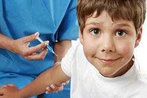 Прививка АКДС: виды вакцин, реакции и противопоказания