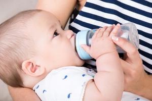 Смешанное и искусственное вскармливание детей: виды смесей