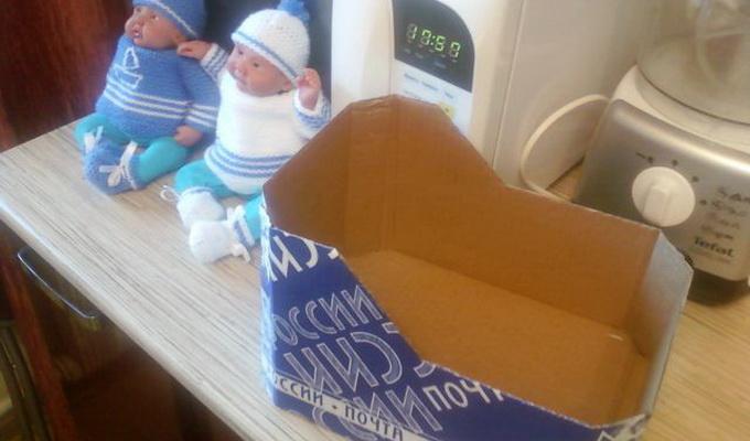 Как сделать переноску для куклы своими руками из коробки