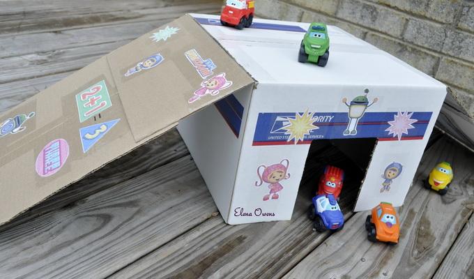 Как из коробки сделать детский гараж 582