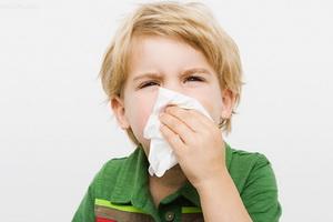 Респираторные аллергозы у детей: симптомы и лечение