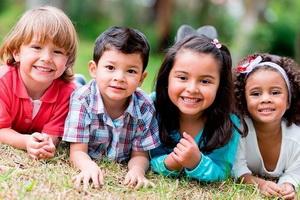Развитие у детей навыков общения со сверстниками и взрослыми