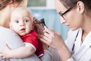 Отит уха у ребенка: виды, симптомы и лечение