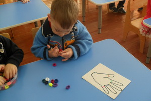 Игры по методике М. Монтессори для развития навыков детей