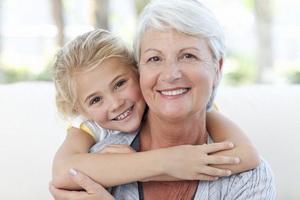 Воспитание детей бабушками: помощь родителям или препятствие?