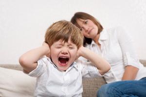 Детский кризис трех лет: характеристика и советы родителям